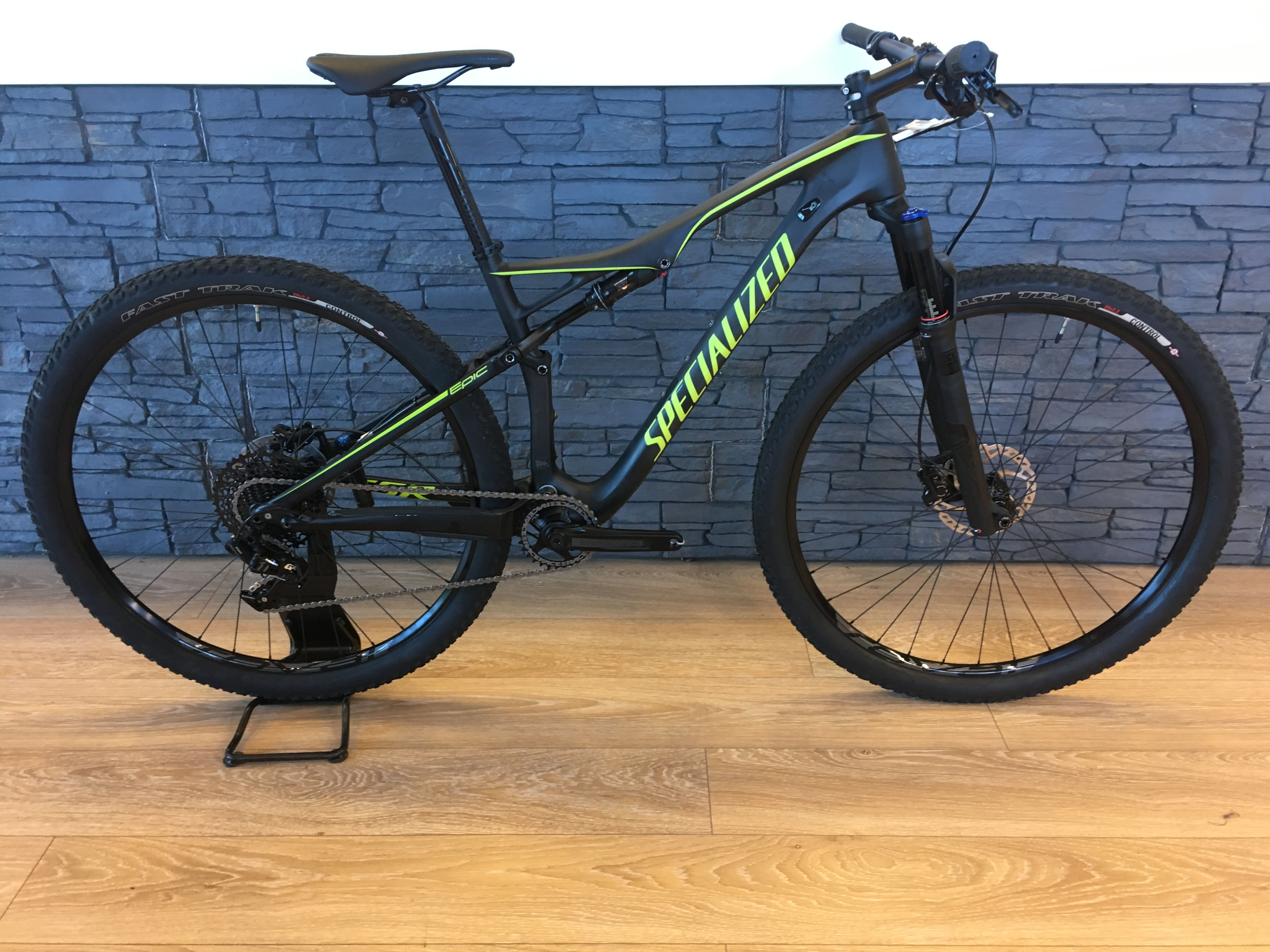 Specialized Epic FSR Comp Carbon World Cup T:M 2017 Image