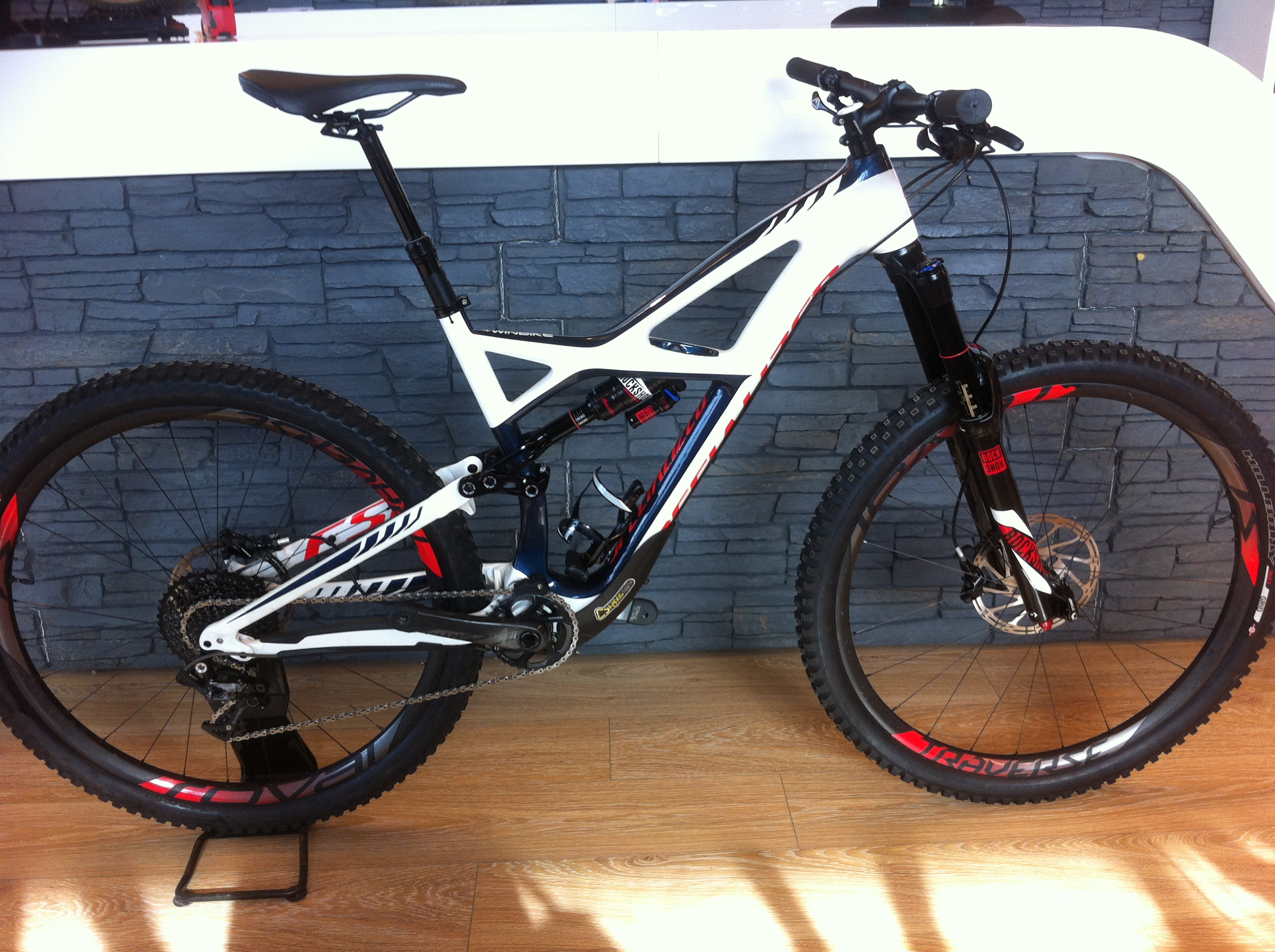 Specialized Enduro Expert 2015 T:L Image